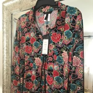 BCBG floral shirt with snap enclosures